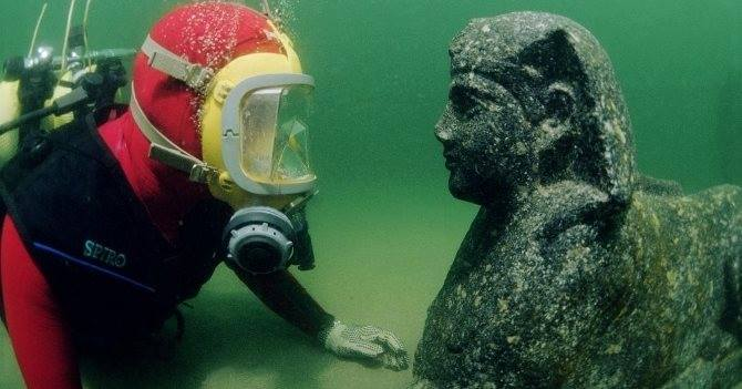 Diving Travelling