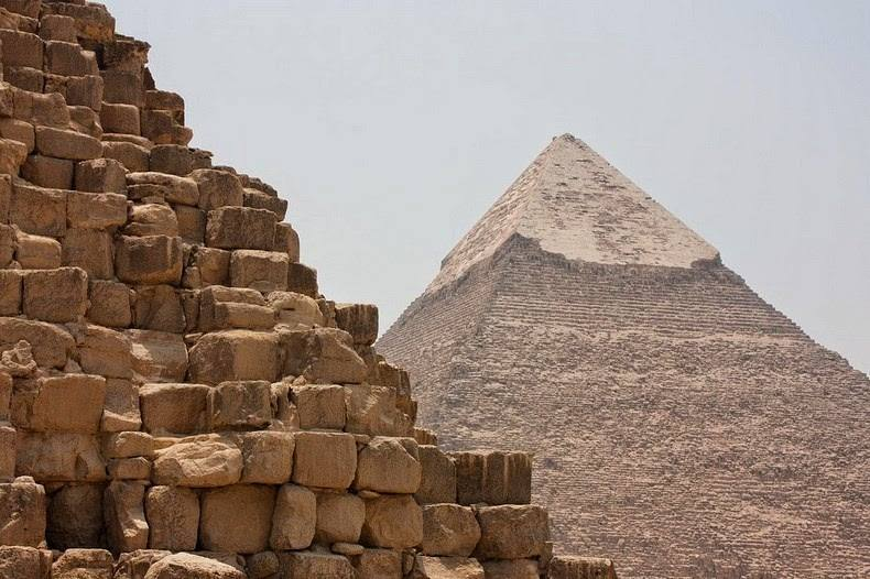 Layover Tour to the Pyramids & the Sphinx from Cairo Airport